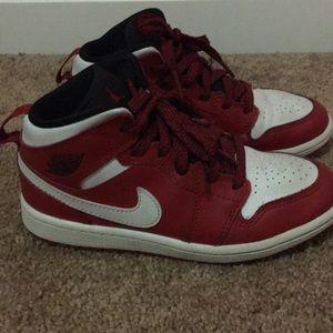 Kids red/white Jordan's